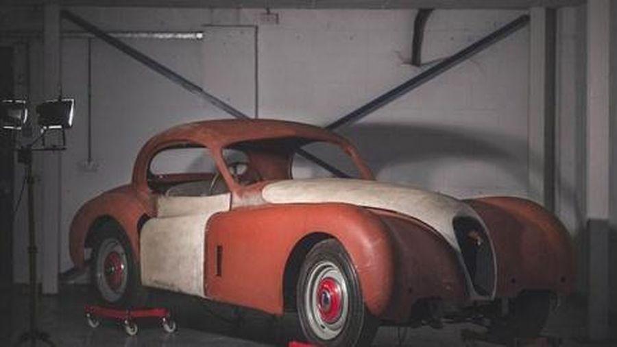 Rao bán xe 'đồng nát' Jaguar XK120 vứt xó nửa thế kỷ dự kiến thu về 3 tỷ đồng