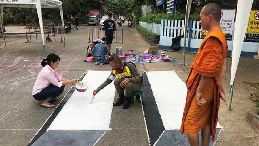 Ấn tượng vạch sang đường 'nổi' tại Thái Lan