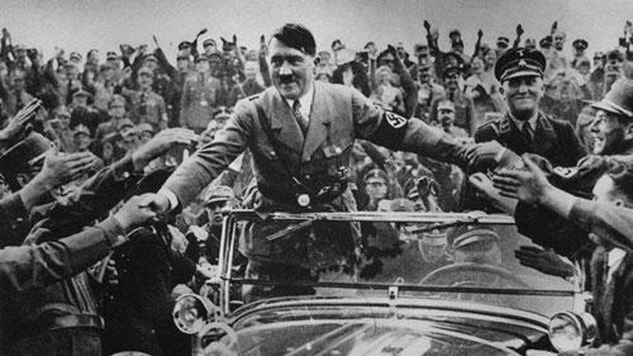 Tiết lộ nóng: Vì sao Hitler không bao giờ ngồi sau vô lăng?