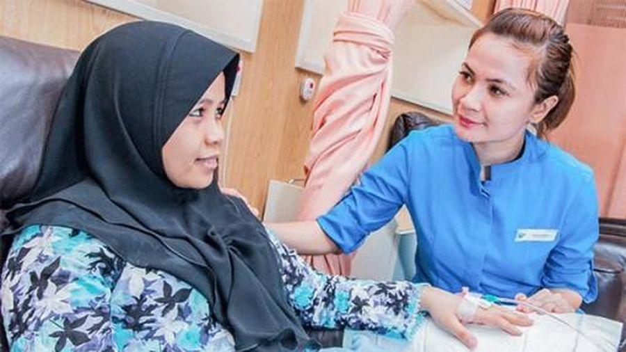 Dân Indonesia đổ xô ra nước ngoài chữa bệnh