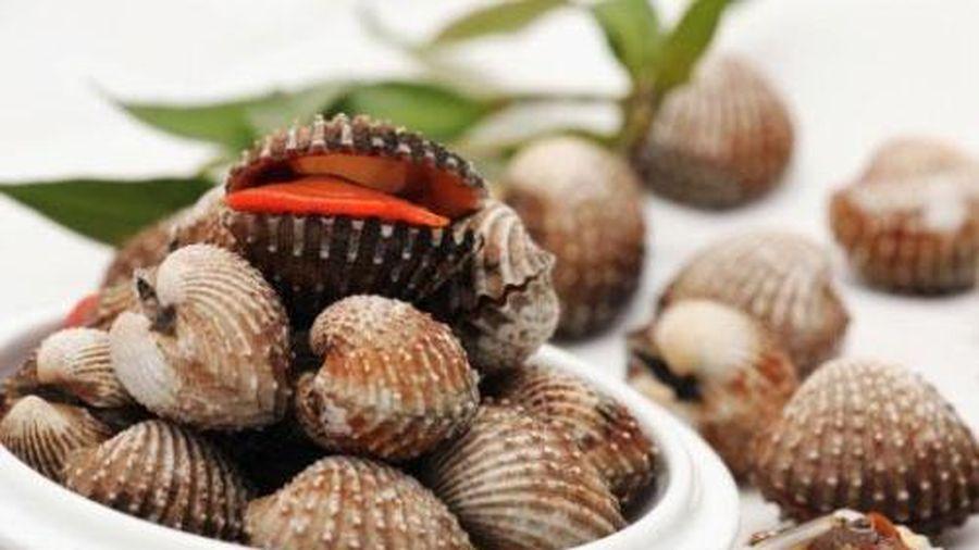Chăm ăn những thực phẩm này, không bao giờ phải lo tóc rụng và bạc sớm