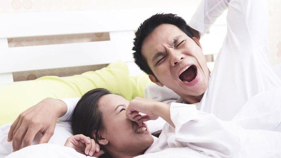 Tại sao bạn bị hôi miệng vào buổi sáng?