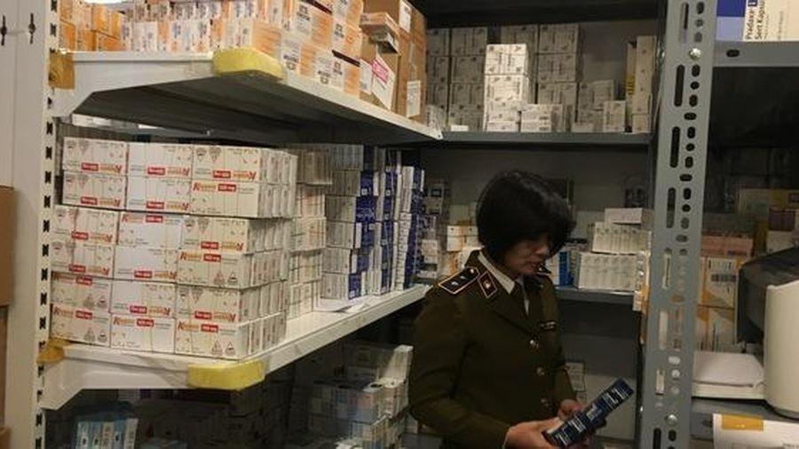 Bắt lô thuốc tân dược hơn 1,7 tỉ đồng, cất giấu ở chung cư Hà Nội
