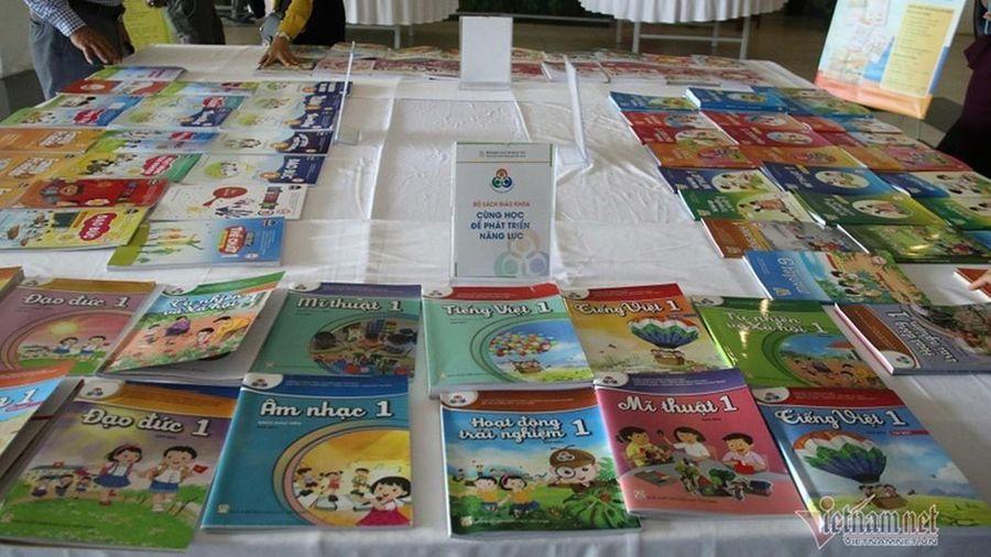 Chúng tôi có ý kiến góp ý với Thông tư hướng dẫn việc chọn sách giáo khoa