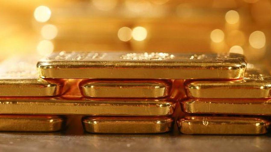 Nhà đầu tư ồ ạt bán vàng sau tin tốt từ thị trường việc làm Mỹ