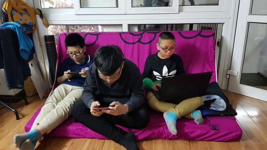 Để trẻ tránh 'nhiễm độc' từ mạng xã hội