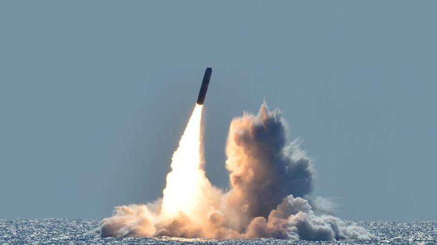 Mỹ thay đổi chiến lược vũ khí hạt nhân để dễ bề 'chơi' với Nga-Trung