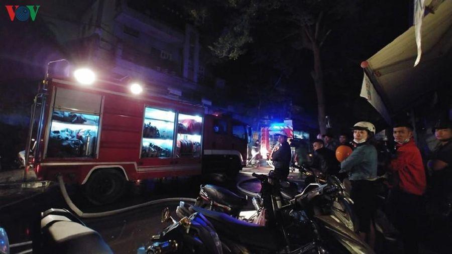 Cửa hàng tạp hóa bốc cháy giữa đêm, 3 người chết thảm ở TP Hồ Chí Minh