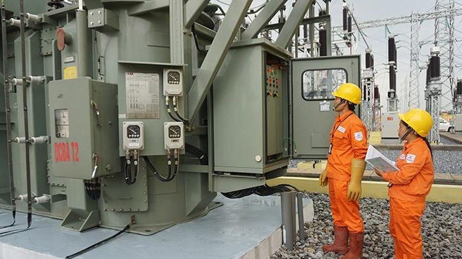 Nỗ lực bảo đảm an toàn hành lang lưới điện cao áp ở Hà Nội