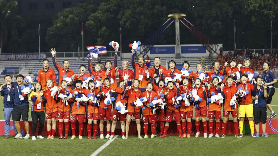 Thủ tướng biểu dương đội tuyển bóng đá nữ, khích lệ U22 Việt Nam giành HCV SEA Games 30