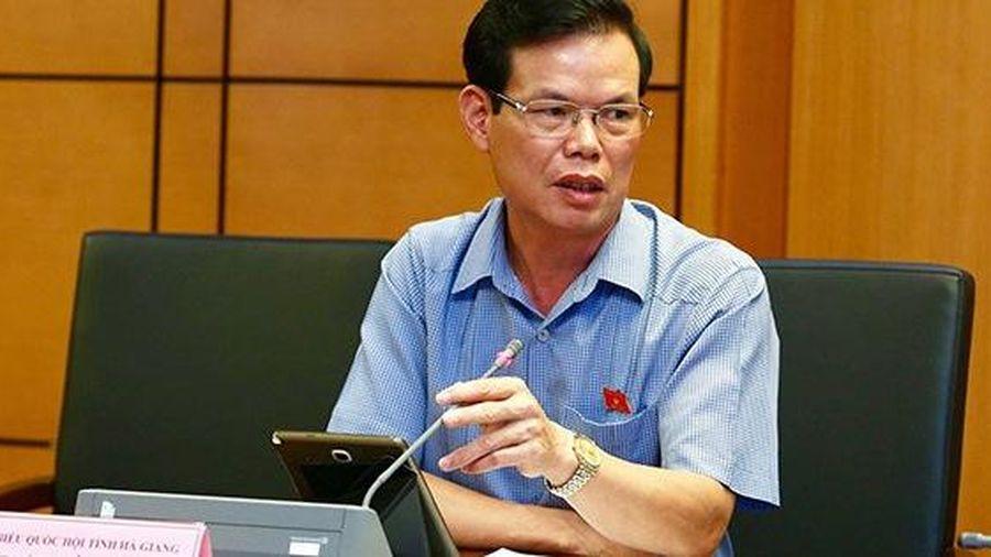 Liên quan tới sai phạm tại kỳ thi THPT Quốc gia 2018, đề nghị Bộ Chính trị xem xét, thi hành kỷ luật đối với ông Triệu Tài Vinh