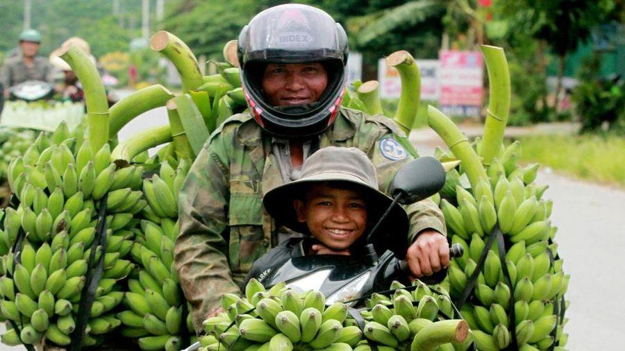 Những khoảnh khắc yêu thương của gia đình Việt Nam