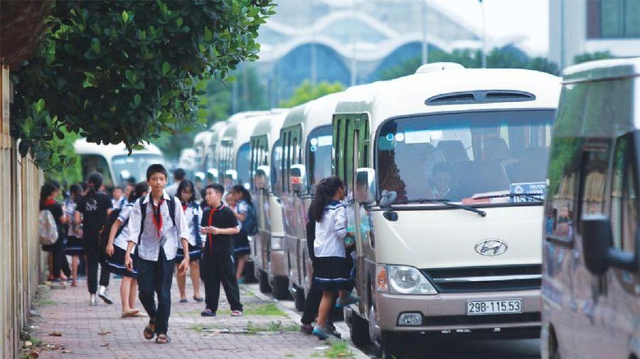 Hà Nội: Hàng chục xe đưa đón học sinh vi phạm bị xử phạt