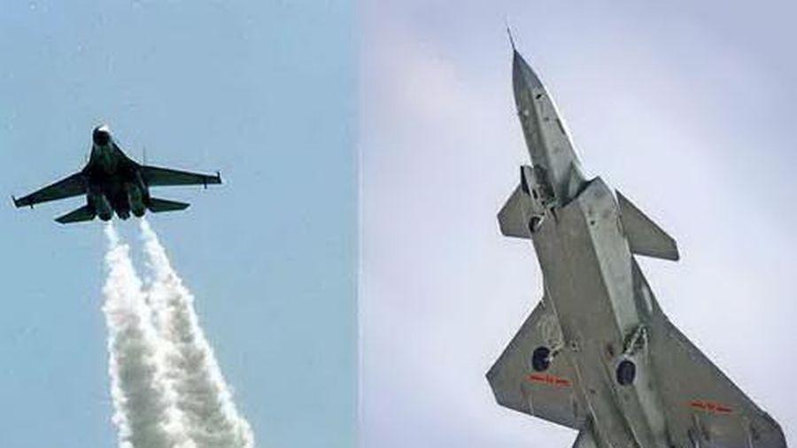 Báo Nga: Su-30 có thể dễ dàng 'xé nát' Chengdu J-20 vốn được coi là ''bất khả chiến bại''