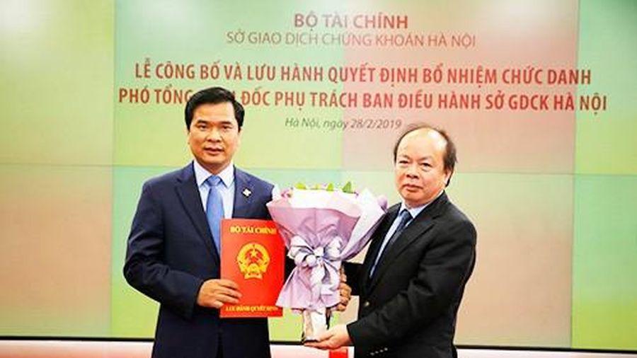 Bộ Tài chính nói gì về thông tin bổ nhiệm 'thần tốc' Phó Tổng giám đốc HNX?