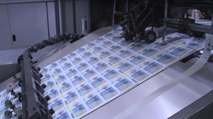 Đại gia in tiền lớn nhất thế giới chuẩn bị... hết tiền