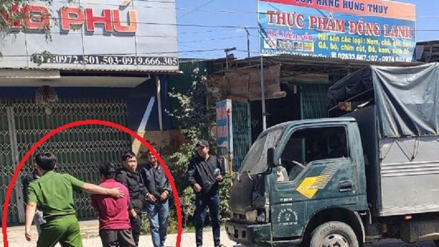 Bắt giữ tài xế nghi tông chết cán bộ kiểm lâm