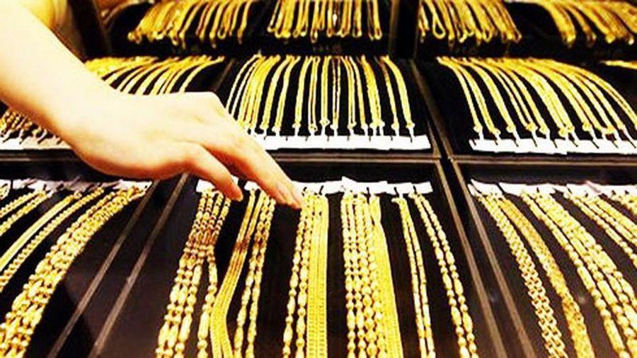 Giá vàng tại Việt Nam cao hơn thế giới nửa triệu đồng/lượng