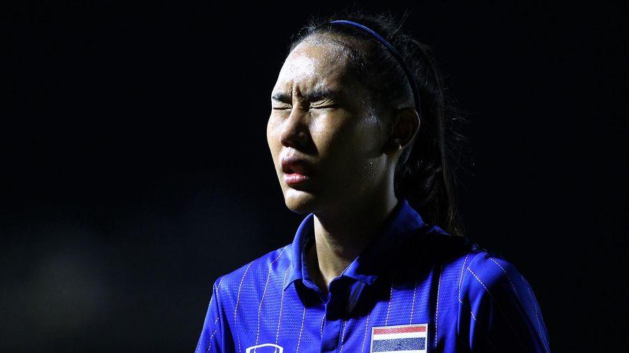 Tiền đạo Thái Lan nén nước mắt sau sai lầm giúp Việt Nam vô địch