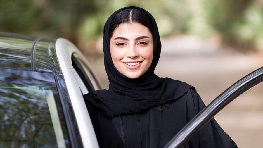 Saudi Arabia đã cho phép nữ đi chung lối với nam vào nhà hàng