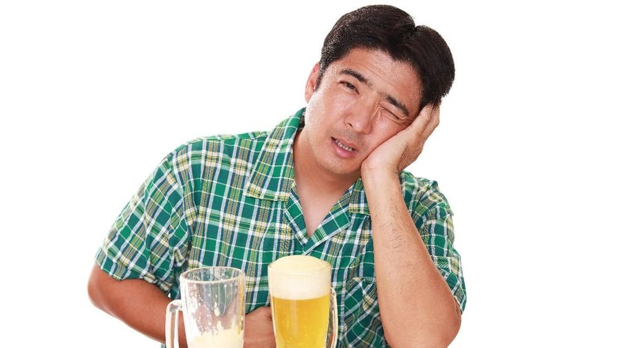 Cải thiện triệu chứng viêm đại tràng cho người uống nhiều rượu bia