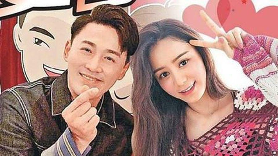 Lâm Phong và vợ người mẫu tiệc tùng thâu đêm