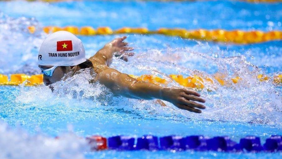Vận động viên nên ăn gì trước và sau khi bơi?
