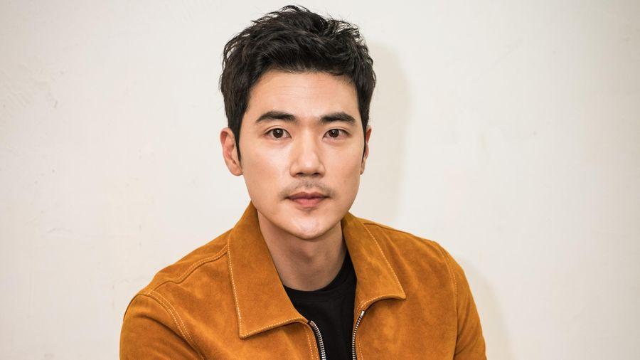 'Ông hoàng phim 18+' Hàn Quốc Kim Kang Woo