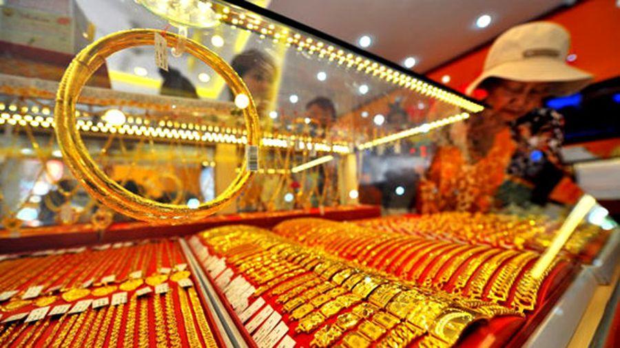 Giá vàng đi ngang, kim ngạch thương mại Mỹ - Trung tiếp tục giảm