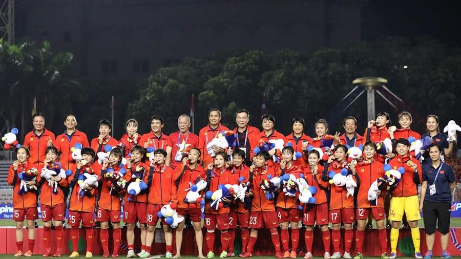 Đội tuyển nữ Việt Nam nhận hơn 10 tỷ đồng tiền thưởng
