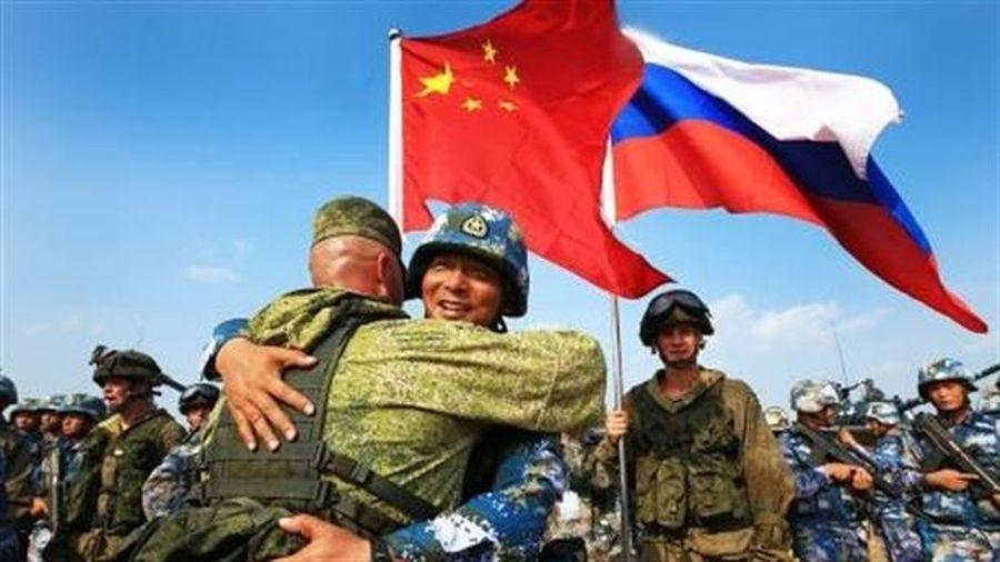 Mỹ hoang mang điều binh chống Nga-Trung