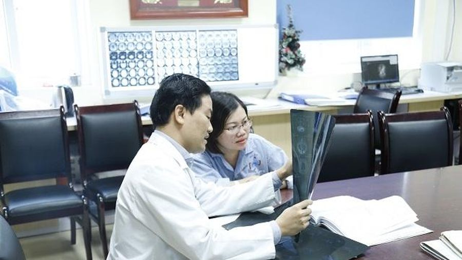 Ung thư không 'quật ngã' được sản phụ sinh con trong hôn mê