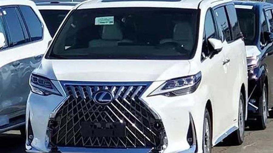 'Chạm mặt' minivan hạng sang Lexus LM 2020 sắp về đại lý