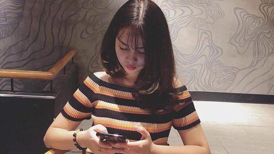 Lộ diện bạn gái thủ môn Văn Toản, nàng WAG mới của U22 Việt Nam