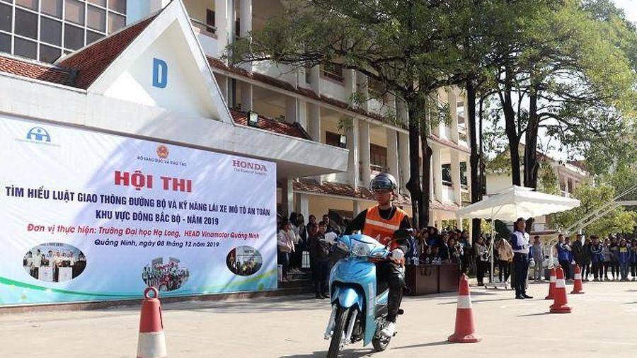 500 sinh viên thi tìm hiểu luật an toàn giao thông