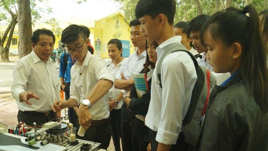 Trường Đại học Trà Vinh có thêm hai chương trình đạt chứng nhận kiểm định quốc tế AUN – QA