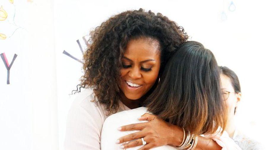 Cựu đệ nhất phu nhân Michelle Obama đến thăm trường cấp 3 ở Việt Nam