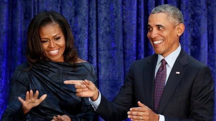 Cựu Tổng thống Mỹ Barack Obama cùng phu nhân đến Việt Nam