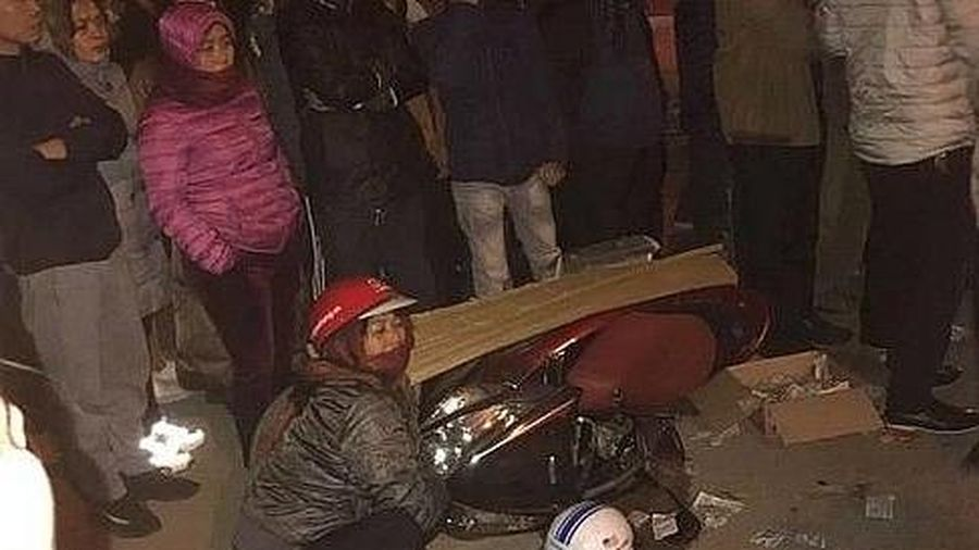 Va chạm với xe tải, nữ giáo viên cấp 2 tử vong