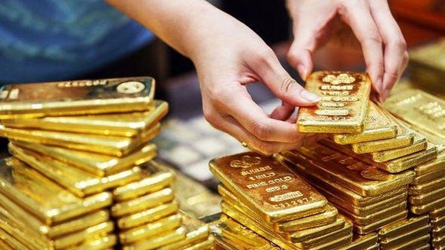 Vàng trong nước tăng nhẹ, vàng thế giới giảm sâu phiên đầu tuần