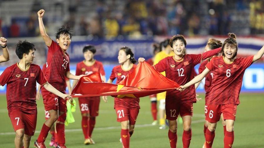 Thưởng hàng tỷ đồng và nhiều xe máy cho các 'nữ cầu thủ vàng' bóng đá Việt Nam