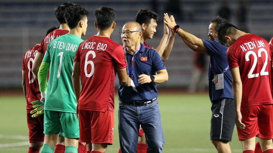 Ông Park đóng đội tuyển U22 Việt Nam, tập chiến thuật đấu Indonesia