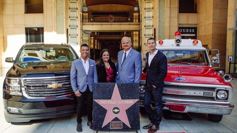 'Đại lộ danh vọng' Hollywood lần đầu tiên có ngôi sao cho một mẫu ôtô