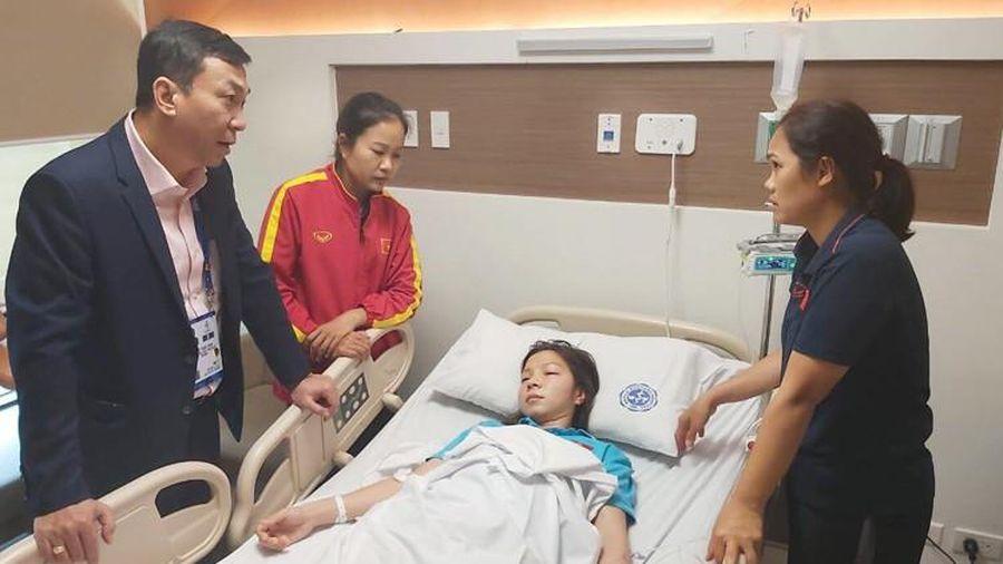 Nữ tuyển thủ Việt Nam nhập viện sau 120 phút kịch chiến Thái Lan