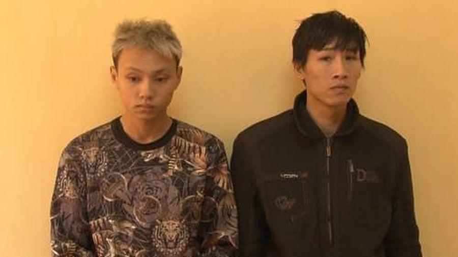 Hai anh em có tiền án, tiền sự rủ nhau đi cướp giật thì bị bắt