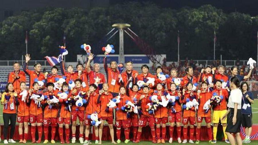 Tuyển nữ Việt Nam nhận 'mưa tiền thưởng' cho tấm HCV SEA Games 30