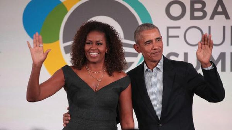Vợ chồng cựu Tổng thống Mỹ Obama tới Long An