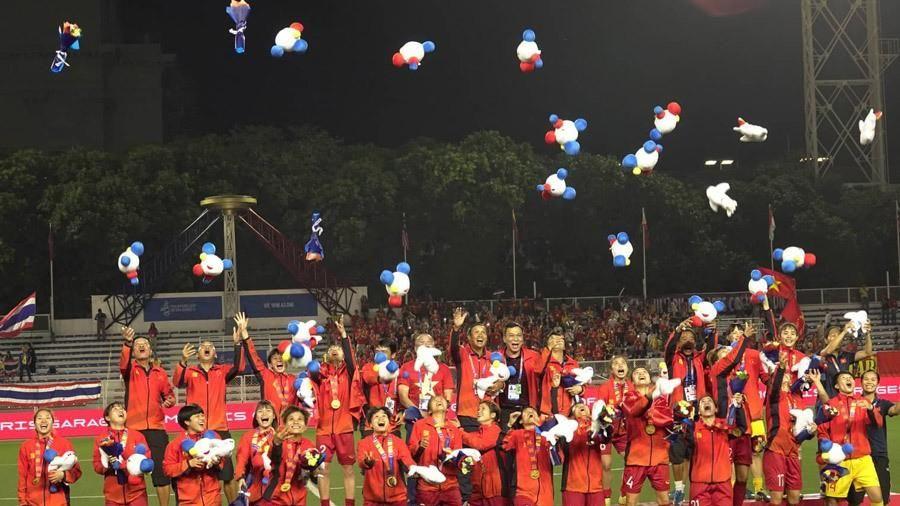 Lấy 'vàng' SEA Games 30, tuyển nữ Việt Nam nhận được 'mưa' tiền thưởng