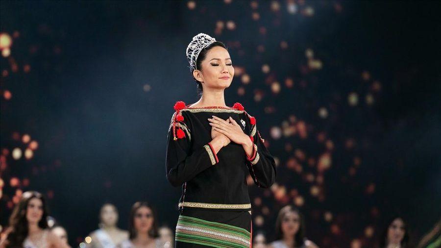 H'Hen Niê ăn cơm trắng chan nước mắm hậu hết nhiệm kỳ Hoa hậu Hoàn vũ Việt Nam