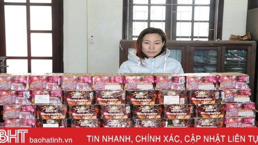 Thôn nữ Hà Tĩnh trữ gần 60kg pháo trong nhà để bán dần dịp Tết